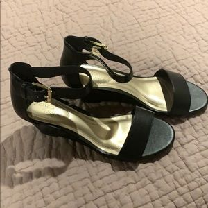 Ladies Black wedge sandal, size 7W